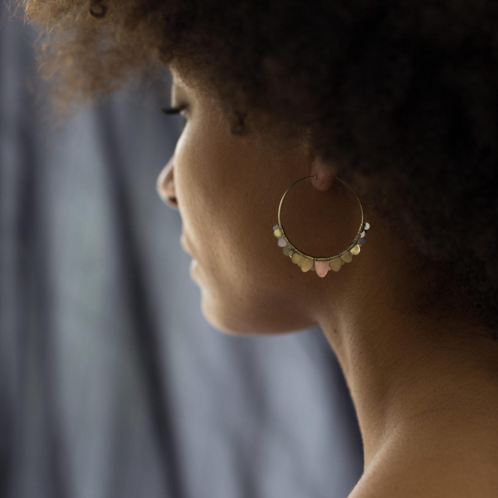 Sia Taylor FE8 RAIN Rainbow Gold Earrings M