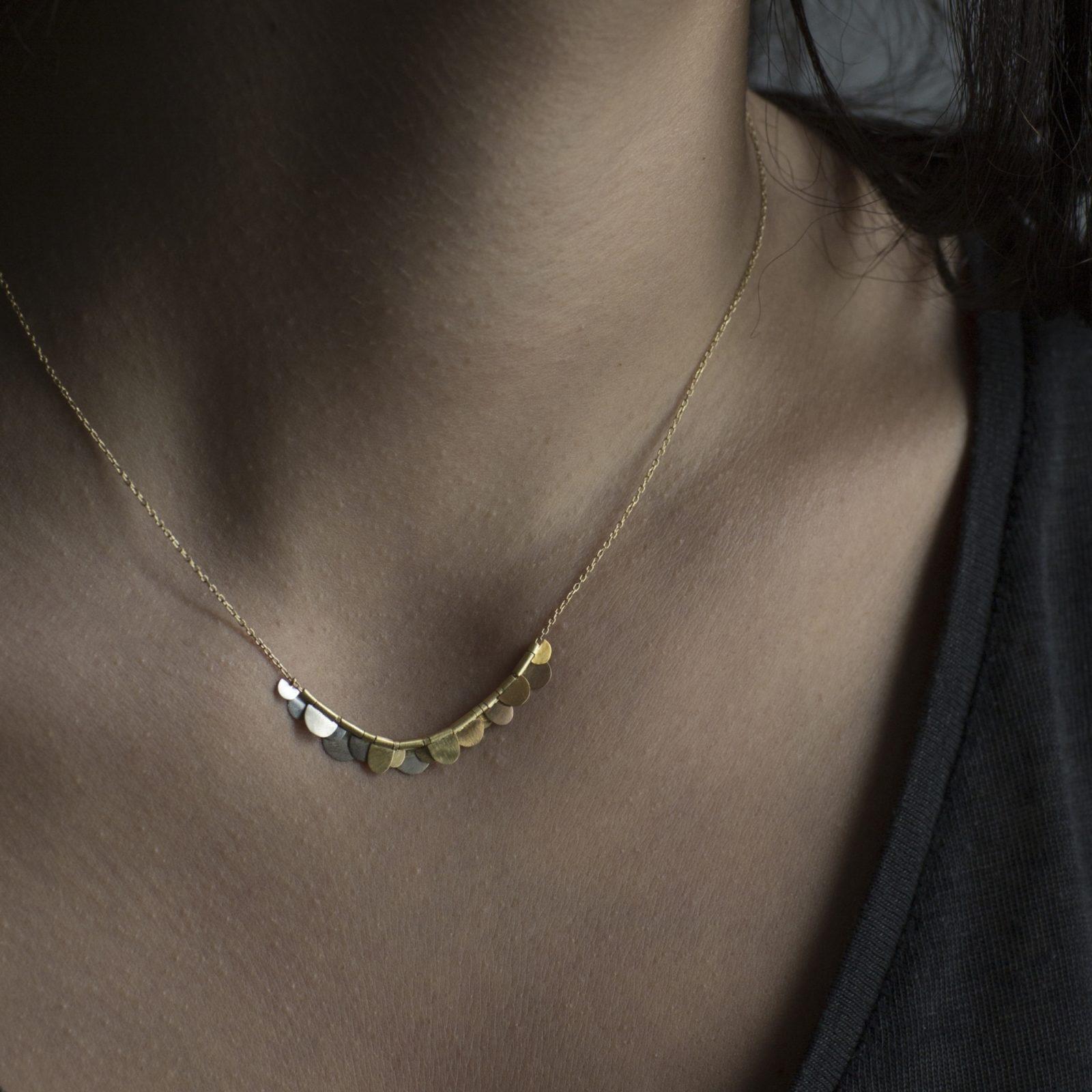 Sia Taylor KN2 YRAIN Rainbow Golds Flora Necklace M