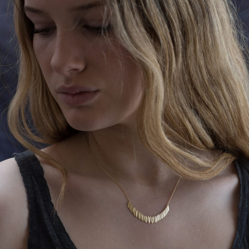Sia Taylor KN21 Y Yellow Gold Golden Leaf Arc Necklace M